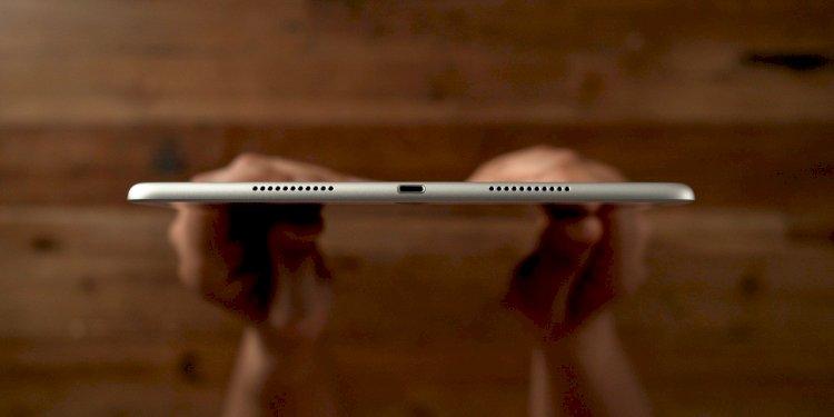 iPad Air thế hệ thứ 4 sẽ chuyển sang dùng cổng sạc USB-C trong khi iPad mini vẫn sẽ dùng cổng sạc Lightning.