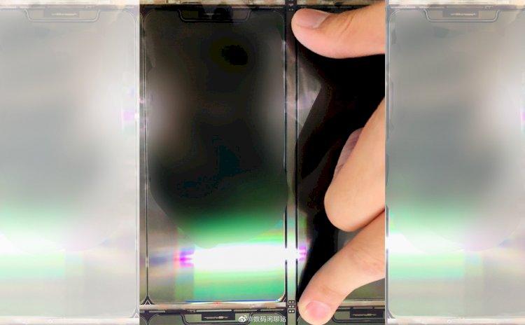Rò rỉ hình ảnh được cho là màn hình của iPhone 12 kích thước 5.4 inch