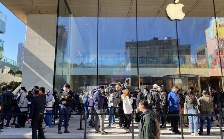 iPhone 12 bán chạy tại Trung Quốc, bất chấp bị cạnh tranh gay gắt