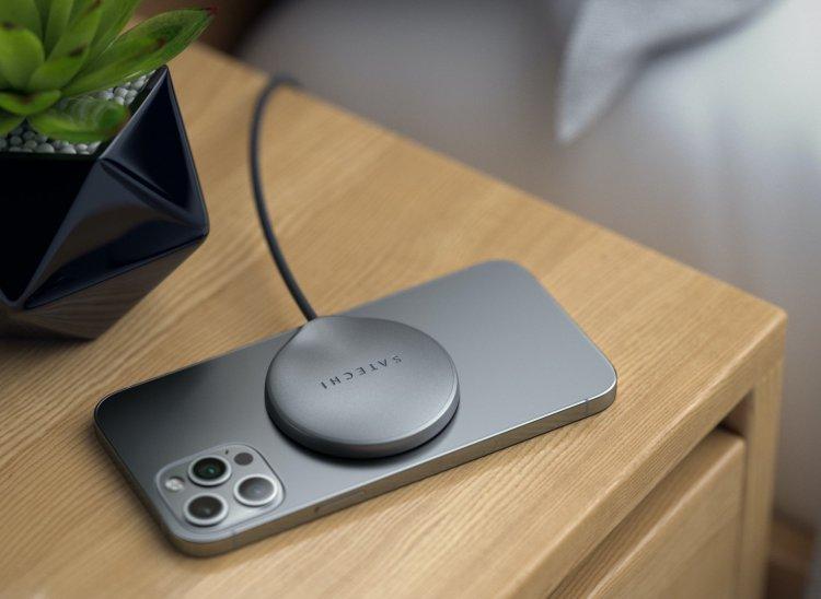 Satechi giới thiệu sạc hit nam châm cho iPhone 12