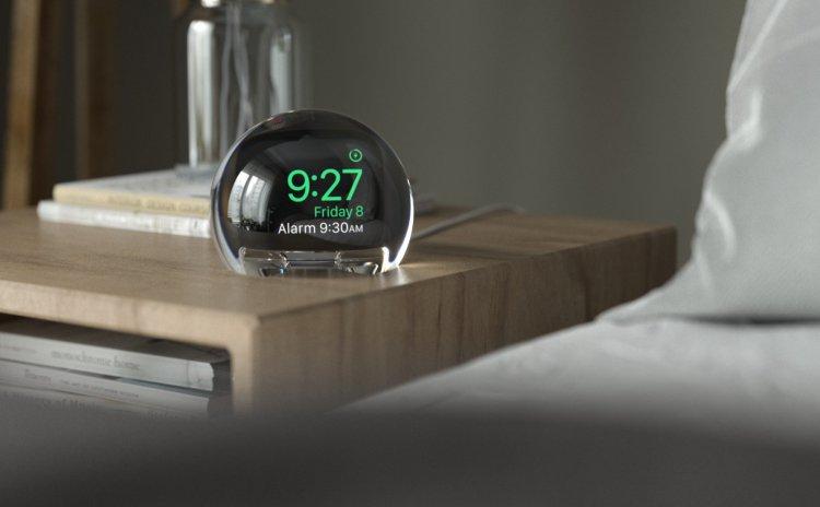 NightWatch, đế sạc cho Apple Watch trong suốt tuyệt đẹp