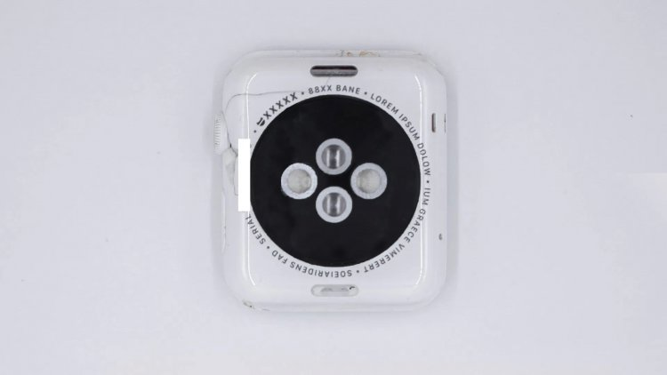 Bản mẫu Apple Watch đầu tiên với vỏ ceramic lộ hình ảnh, được sản xuất từ năm 2014