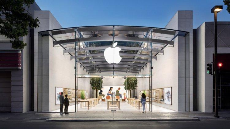 Nhiều cửa hàng Apple Store tại Mỹ yêu cầu khách hàng đeo khẩu trang khi thăm quan và mua sắm.