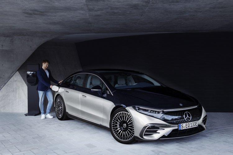 Apple thuê 2 cựu kỹ sư Mercedes nhằm phát triển dự án Apple Car?