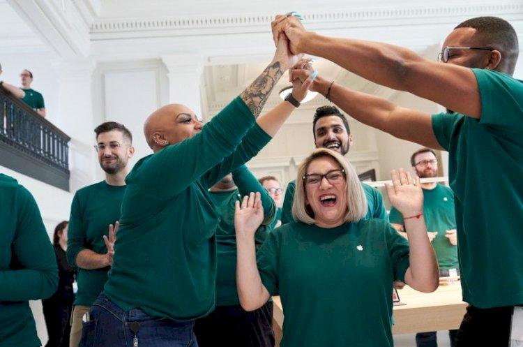Apple đã đem lại 2,4 triệu việc làm cho công dân Mỹ.