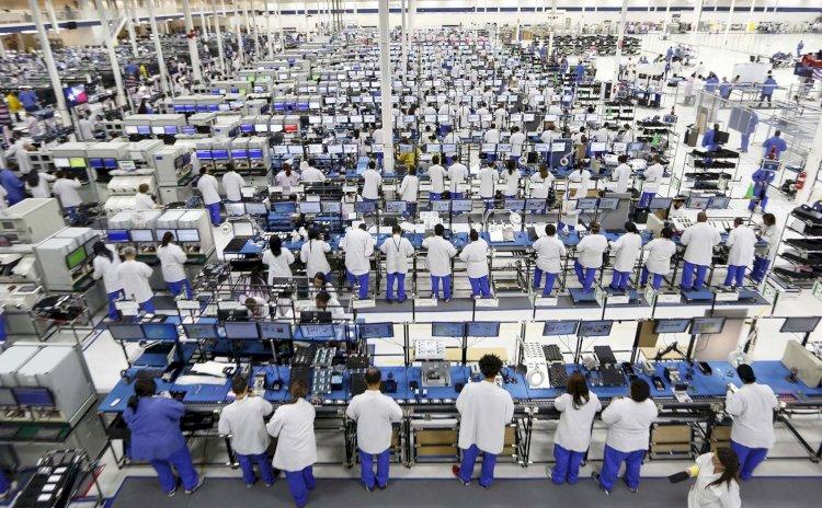 Apple và Foxconn vi phạm luật lao động ở Trung Quốc, dùng quá nhiều lao động thời vụ sản xuất iPhone.