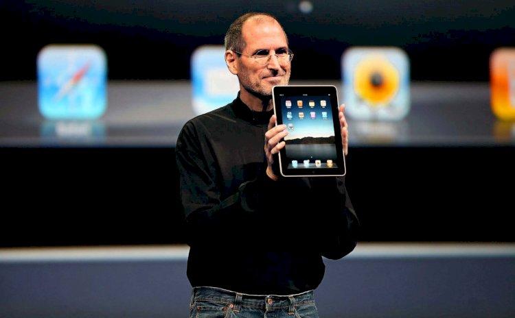 10 năm trước  Apple giới thiệu chiếc iPad thế hệ đầu tiên